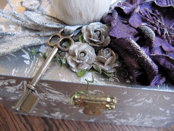 Silver box.detail5
