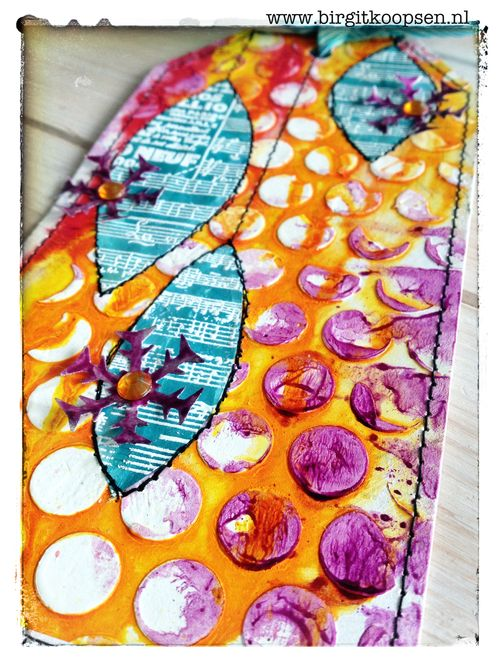 Colorful christmas tag - aladine - birgit koopsen - close up3