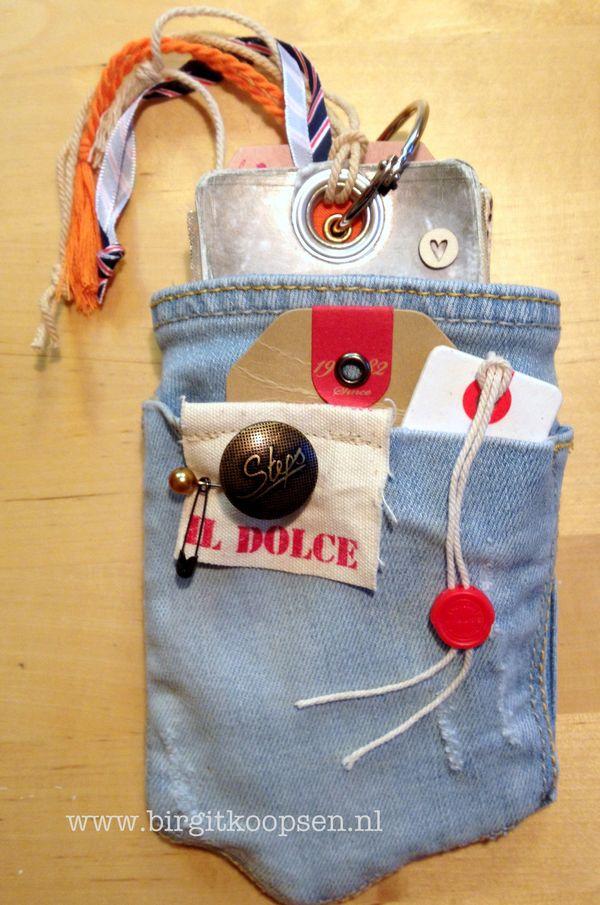 Tag album in pocket