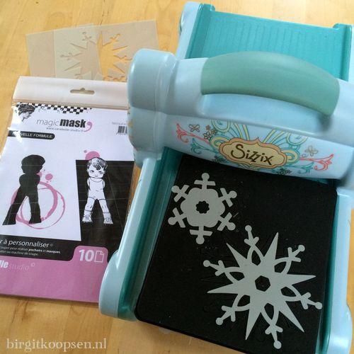 Gelli plate + sizzix snowflakes - birgit koopsen